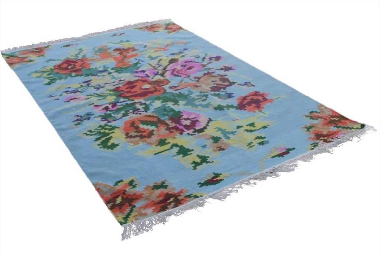 vloerkleed lichtblauw tapijt kelim